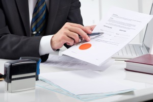 Ablauf von einem Bußgeldverfahren: Der Vorgang beginnt bereits mit der Erfassung des Verstoßes.