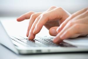 In den meisten Fällen muss das Bußgeld auch ohne Foto gezahlt werden. Oft sind Blitzerfotos online hinterlegt.