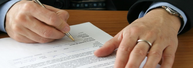 Ist ein Bußgeldbescheid ohne Unterschrift ungültig?