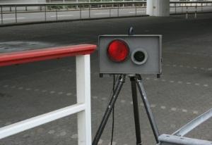 Ein mobiler Blitzer wird oft an Unfallschwerpunkten eingesetzt.
