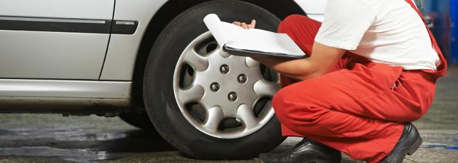 Die Verbindung zwischen Straße und PKW sind die Reifen.