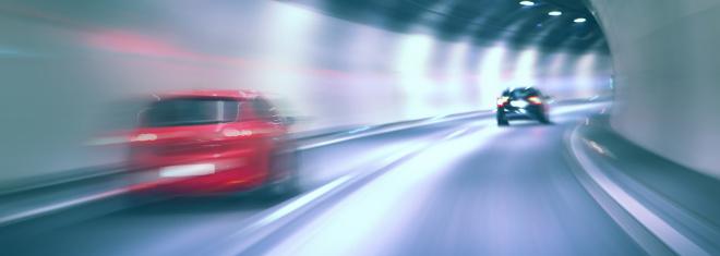 Auf der Autobahn darf ein Überholvorgang beispielsweise nicht länger als 45 Sekunden dauern.
