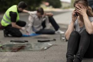 Wenn Sie die Vorfahrt beim Abbiegen nicht beachten, kann ein Unfall die Folge sein.
